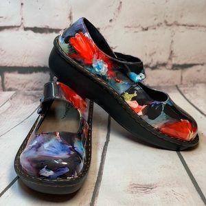 "Savvy Jane Nurses Shoe ""Blue Rose"".  NWOT."